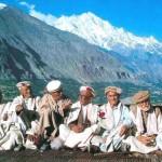 Traditionelles Treffen der alten Herren in Karimabad Hunza