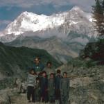 Nanga Parbat mit Dorfbewohnern