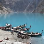 Fährverkehr über den Attabad See