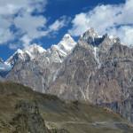 Bizarre Bergkette am Südrand des Shimshal Tals