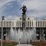Bischkek - Nationalheld Manas vor der Philharmonie