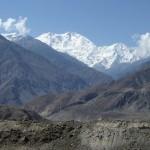 Das Nanga Parbat Massiv (8.125 m) vom Karakorum Highway aus gesehen